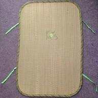 Chiếu cói lót nôi có dây cột 2 bên cho bé (42 x 64cm) thumbnail