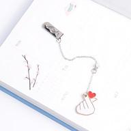 Bookmark Kẹp Sách Kim Loại Phối Charm Hình Bắn Tim Dễ Thương thumbnail