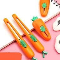 Dao rọc giấy M&G ASSN2243 ASSN2242 mini lưỡi ngắn và lưỡi dài 9 mm , hình củ Cà Rốt thumbnail