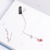 Bookmark Kẹp Sách Kim Loại Phối Charm Hình Trái Dâu Tây Mini thumbnail