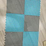 Thảm nhựa lỗ kháng khuẩn, chống trơn, trượt nhà tắm (kích thước 30x30cm) thumbnail