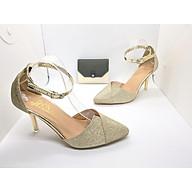 Giày Sandal Cao Gót Nữ Màu Vàng Ánh Kim Bít Mũi Đắp Chéo Sang Trọng, Đẳng Cấp Quai Cài Ngang Đế Nhọn Cao 9 Cm CGPN0095-YN133 thumbnail