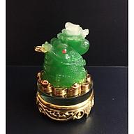Cóc phong thủy cõng bắp cải chiêu tài lộc - đế thủy tinh xoay 360 độ - Si vàng thumbnail