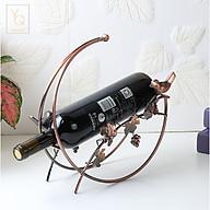 Khay Giá Kệ đựng để rượu vang hình vầng trăng và chùm nho màu đồng thumbnail