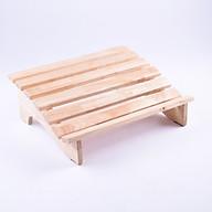 Ghế gỗ kê chân thoải mái thumbnail