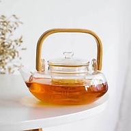 Ấm pha trà thủy tinh crystan chịu nhiệt có lõi lọc dáng bẹt quai gỗ - ANTH456 thumbnail
