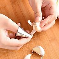 Dụng cụ bóc, tách vỏ tỏi- Dụng cụ hỗ trợ bóc tách các loại củ, quả, hạt bằng thép không gỉ VKIT thumbnail