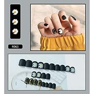 Bộ 24 móng tay giả hoa cúc (R063) tặng kèm thun lò xo cột tóc màu đen tiện lợi thumbnail