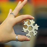 Móc khóa đa năng vặn ốc hình bông tuyết - Màu Ngẫu Nhiên thumbnail
