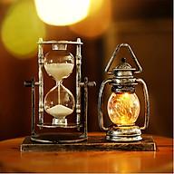 Đồng hồ cát kèm mô hình đèn dầu phát sáng phong cách cổ điển, sang trọng mã DHC06 - vật dụng trang trí bàn làm việc thumbnail