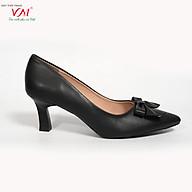 Giày cao gót nữ, chiều cao gót 5CM, da Microfiber nhập khẩu cao cấp êm ái, bền chắc và thời trang. Mũi nhọn, gót vuông nhỏ vững trãi và chắc chắn, thiết kế hiện đại, tinh tế, thời trang BL.MHT16A-5F thumbnail