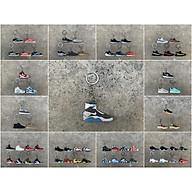 Móc khóa giày sneaker ( tặng kèm ngẫu nhiên ) thumbnail