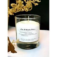 Nến thơm cao cấp gồm: sáp ong đổ bằng tay và hỗn hợp tinh dầu trị liệu No 01