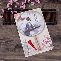 Quạt tròn cổ trang vải lụa dây tuyến thiếu nữ áo xanh đánh đàn quà tặng xinh xắn cosplay cầm tay tặng ảnh thiết kế độc đáo Vcone