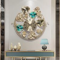 Đồng hồ treo tường hình bông hoa chất liệu hợp kim dùng để thông báo thời gian và trang trí tường hành lang được nhập khẩu nguyên chiếc tại Hong Kong