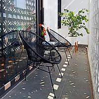 Bộ bàn ghế ban công ngoài trời RIBO HOUSE gồm bàn cafe và 2 ghế mây nhựa khung kim loại trang trí phòng khách RIBO43