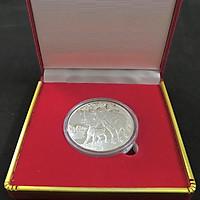 Xu lưu niệm của Úc hình con Trâu màu Bạc tặng kèm hộp nhung, vật phẩm phong thủy cầu may mắn, sung túc, dùng trưng bày bàn sách, mang theo trong túi, làm quà tặng, tiền lì xì - SP002453