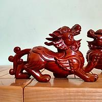 Tỳ hưu gỗ hương đá kích thước 25x15x8cm - tặng kèm bộ 10 đôi đũa chống mốc Hàn Quốc