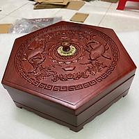 Hộp đựng bánh Kẹo Lục Giac bằng Gỗ Hương Cao Cấp Chạm Song Ngư 30x30x9cm