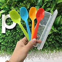 Bộ 4 thìa nhựa kèm hộp đựng dùng ăn cơm văn phòng, đi du lịch tặng 2 zipper 10cm