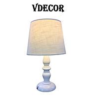 Đèn ngủ để bàn Vdecor phong cách  Châu Âu  cao  cấp, thân gỗ lim, Điều chỉnh được độ  sáng, trang trí bàn đầu giường , đọc sách trước khi ngủ