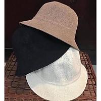mũ M đi biển nữ phong cách thời trang