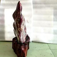 Cây đá đỏ trấn trạch để bàn tự nhiên chất đá canxite nặng hơn 10 kg cao 50 cm cho người mệnh Mộc và Hỏa vân đá màu xanh lá 10.50.30