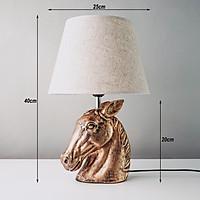 Đèn ngủ để bàn tạo hình đầu ngựa sang trọng DS-TL9805