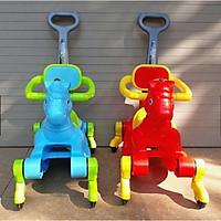 Ngựa bập bênh Chòi chân 2 chế độ (Có nhạc + bánh xe + bảo hiểm + cần đẩy)- màu cho bé trai- chọn màu ngẫu nhiên