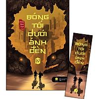 Bóng Tối Dưới Ánh Đèn Tập 4 [Tặng Kèm 1 Bookmark]