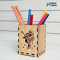 Lọ cắm viết hộp ống đựng bút bằng gỗ để bàn trang trí và sử dụng - Hình cô gái