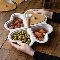 Khay bánh mứt, đựng thức ăn nhẹ bằng sứ hình trái tim loại 4 ngăn mang phong cách Bắc Âu