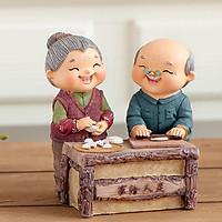 Tượng Ông Bà hạnh phúc cùng nhau làm bánh