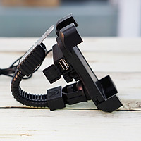Giá Đỡ Kẹp Điện Thoại Cho Xe Máy Tích Hợp Cổng Sạc USB 5V-2A
