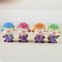 Combo 4 Tượng trang trí Heo con đội mũ len lệch ôm chữ Love dễ thương
