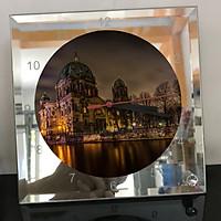 Đồng hồ thủy tinh vuông 20x20 in hình Berlin Cathedral - nhà thờ chính tòa Berlin (25) . Đồng hồ thủy tinh để bàn trang trí đẹp chủ đề tôn giáo