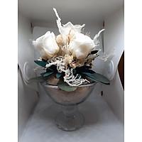 Ly hoa hồng trắng