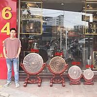 Mặt Trông Đồng Hoa Văn Nổi ĐK40cm Kèm Đế Gỗ