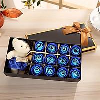Hộp quà gấu và hoa hồng sáp 12 bông Winwinshop88 - Màu Xanh Dương