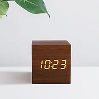 Đồng hồ giả gỗ DAKOP để bàn hình vuông tiên dụng với nhiều chức năng - Tặng kèm pin.