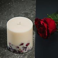 Nến thơm cao cấp bằng sáp đậu nành với tinh dầu hoa hồng tự nhiên, trang trí cánh hoa hồng thật màu đỏ thắm, 500ml