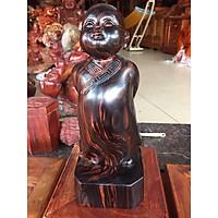 Tượng chú tiểu tùy duyên cao 30cm  gỗ mum nguyên khối, mang ý nghĩa vạn sự tùy duyên do trời định