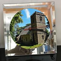 Đồng hồ thủy tinh vuông 20x20 in hình Church - nhà thờ (69) . Đồng hồ thủy tinh để bàn trang trí đẹp chủ đề tôn giáo