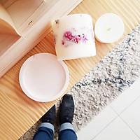Bộ 3 sản phẩm: đế đỡ nến + nến thơm sáp đậu nành, hương hoa hồng +  tealight trang trí nụ hoa hồng.
