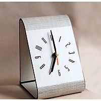 Đồng hồ trang trí để bàn văn phòng
