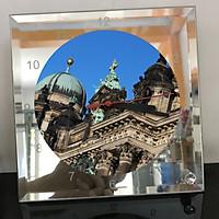 Đồng hồ thủy tinh vuông 20x20 in hình Berlin Cathedral - nhà thờ chính tòa Berlin (9) . Đồng hồ thủy tinh để bàn trang trí đẹp chủ đề tôn giáo