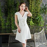 Đầm dự tiệc cổ V trắng đính hoa sứ kết dây cườm TRIPBLE T DRESS - size M/L - MS118Y