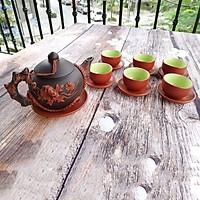 Bộ bình trà gốm tử sa nâu đen đắp cúc đỏ