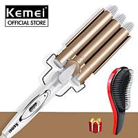 Máy uốn tóc 3 trục Kemei KM-1010 điều chỉnh 2 mức nhiệt độ chuyên dụng làm tóc xoăn gợn sóng, uốn tóc uốn sóng nước bồng bềnh tiện lợi Tặng kèm lược chải tóc rối massage ( Giao màu ngẫu nhiên )