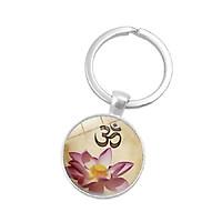 Móc khóa hoa sen khắc chữ OM ý nghĩa